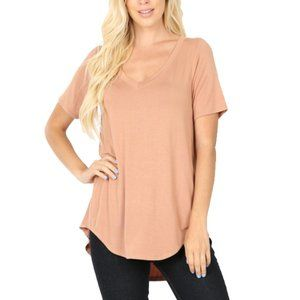 EGG SHELL Hi-Low Short Sleeve V-Neck Luxe T-Shirt